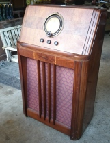 Photo of a 1938 Philco floor radio, model number 38-7.